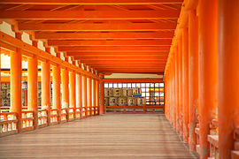 ItsukushimaCorridor7445.jpg