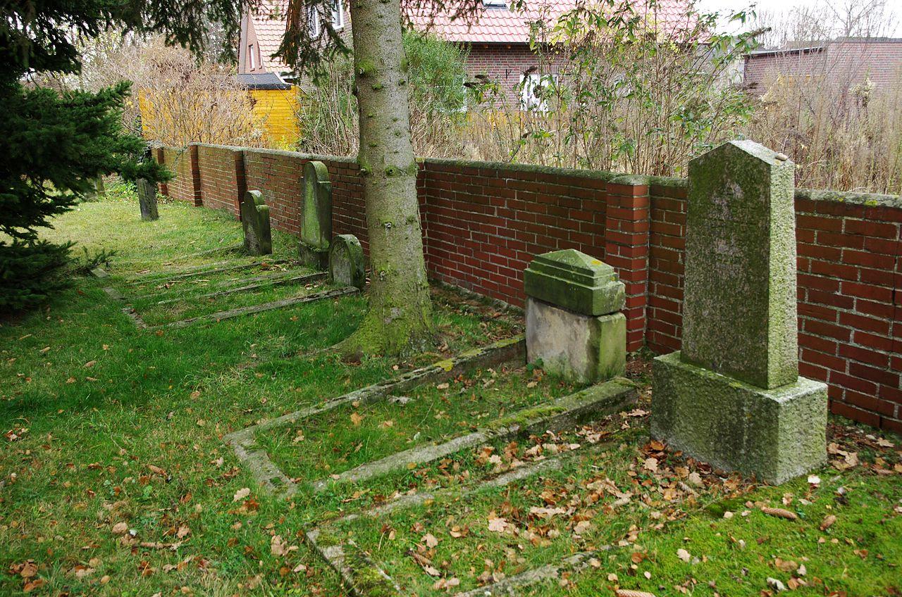 Jüdischer Friedhof Pattensen 2.jpg