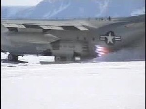 Ficheiro:JATO takeoff from snow, Hercules,109th Airlift Wing.ogv