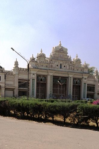 Jaganmohan Palace - Jaganmohan Art Gallery