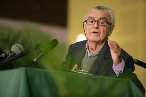Jean-Pierre Vernant - Vernant at his last conference, October 23, 2006 (Aubervilliers)