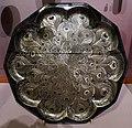 Jean dunand, piatto in nichel argentato con decoro a piume di pavone, francia 1914.JPG
