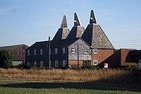 Jesmondene Oast, Newhouse Lane, Sheldwich, Kent - geograph.org.uk - 1450701.jpg