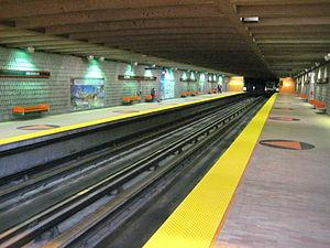 Jolicoeur station - Image: Jolicoeur metro station