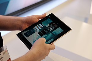 Jolla Tablet - Image: Jolla Sailfish tablet MWC 2015