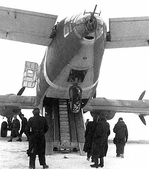 Cargo aircraft - A later Ju 290 with the Trapoklappe ramp lowered, first pioneered on the 1939 Junkers Ju 90. Note the personnel stairway between the vehicular trackways.