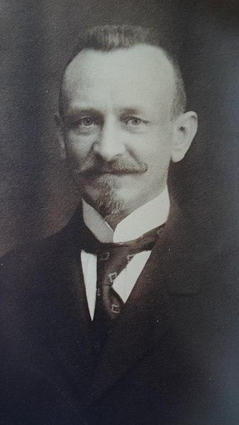 File:Julien Bergé (1876-1933).jpg