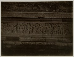 KITLV 28264 - Isidore van Kinsbergen - Relief on the east side of Panataran, Kediri - 1867-02-1867-06.tif