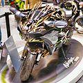 Kawasaki Ninja H2 mirror right front.JPG