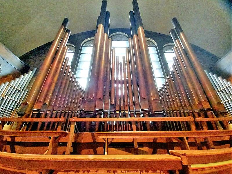 Datei:Knokke, Heilig Hart (Klais-Orgel, Prospekt Mitte) (6).jpg