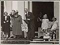 Koningin Wilhelmina viert in gezelschap van het prinselijk gezin haar verjaardag, Bestanddeelnr 012-0236.jpg