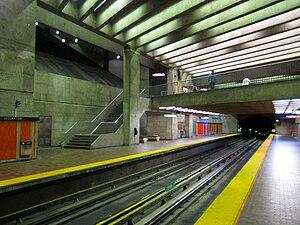 Assomption station - Image: L'Assomption metro Station