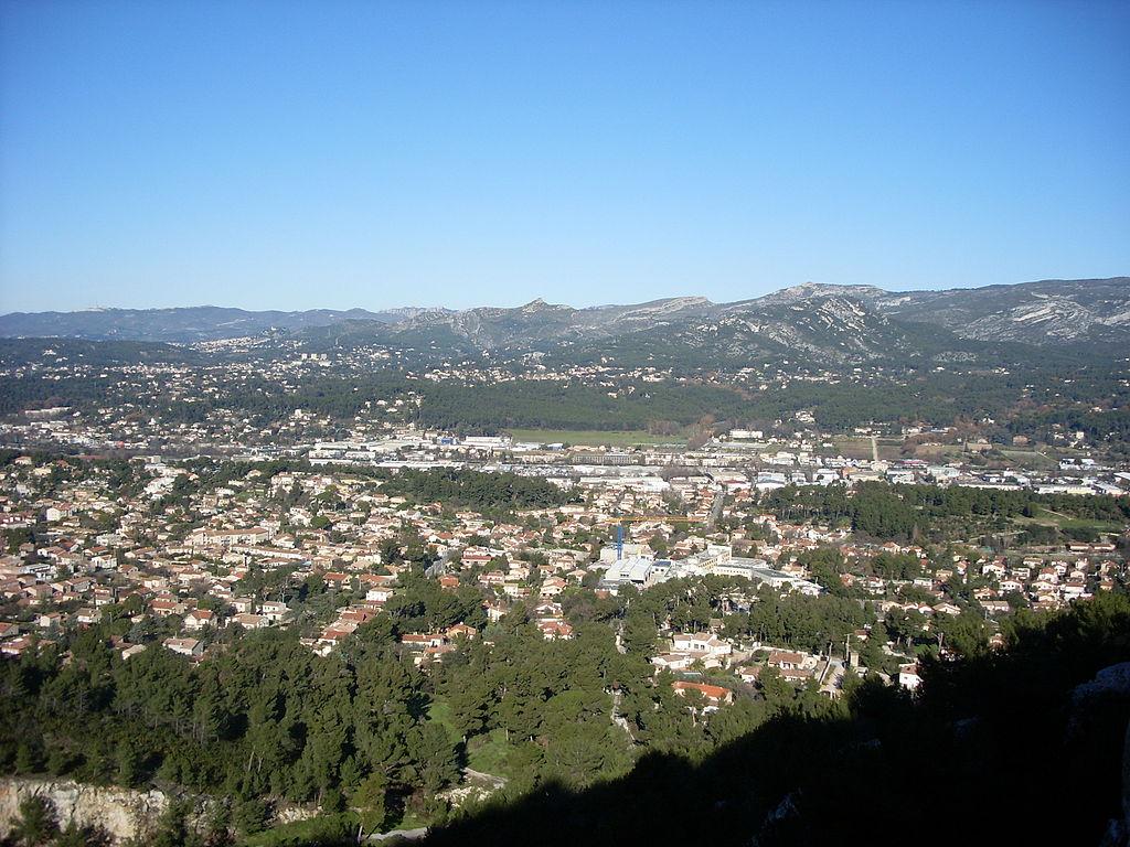 Le village, vu depuis le sommet du Télégraphe.