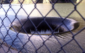 Spillway - Image: Lake Berryessa overflowing into Glory Hole spillway at Monticello dam
