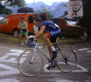 2001 Tour de France - Lance Armstrong riding to his now-negated victory at Alpe d'Huez