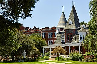 Academy of Our Lady of Mercy, Lauralton Hall All-girls school in Milford, New Haven County, Connecticut, United States