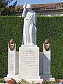 Lavardac - Monument aux morts -1.JPG