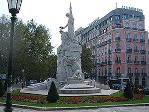 Avenida da Liberdade (Lisbon) - Monument to the fallen in World War I (1931) in the Avenida da Liberdade.