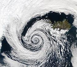 พายุไซโคลน ความกดอากาศต่ำที่ ประเทศไอซ์แลนด์