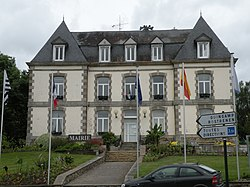 Mûr-de-Bretagne - mairie.JPG