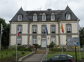 The town hall of Mûr-de-Bretagne