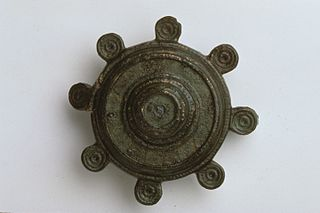 Fibule circulaire (25106)