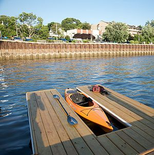 Port Washington, New York - Image: Manhasset Bay Port Washington Town Dock Kayak Launching Pad