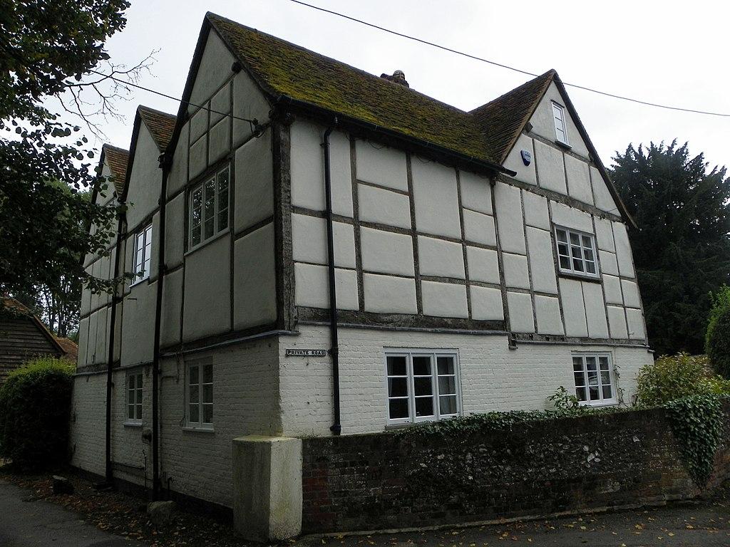 File manor farmhouse little marlow buckinghamshire for Marlow manor