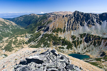 View toward Rila, the highest mountain in the Balkans which reaches 2925 m Marichin cirkus IMG 1452.jpg