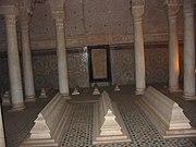 يا بنات ادخلوا لاعرفكم على مدينتي مراكش الحمراء 180px-Marrakech%2C_Saadian_Tombs