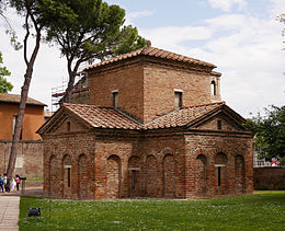 Mausoleum of Galla Placidia in Ravenna.JPG