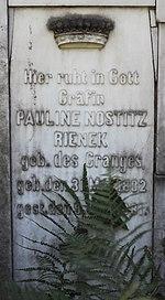 Meran Ev Friedhof Pauline von Nostitz.jpg