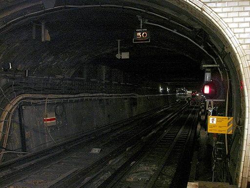 Metro de Paris - Ligne 1 - Porte Maillot 06