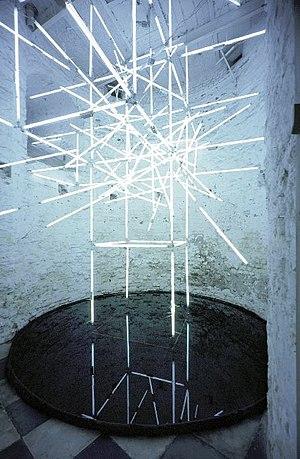 Molitor & Kuzmin - Image: Molitor & Kuzmin Lichtinstallation, Galerie Inge Baecker, 2000, Römerturm, Köln