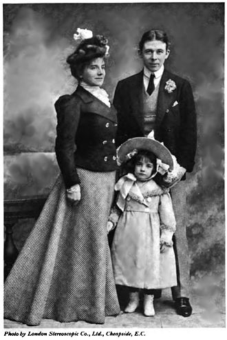 Seymour Hicks - Hicks with Terriss and their daughter Betty
