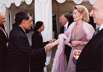 Inaara Aga Khan - From (L) to (R) Musa Javed Chohan, Naela Chohan, the Aga Khan, Begum Inaara Aga Khan, and Sahibzada Yaqub Khan in Paris (2002).