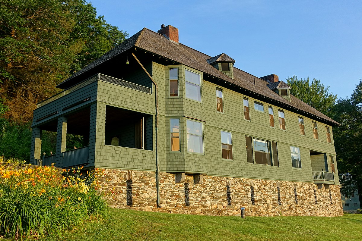 Photo 8 of 13 in 6 Famous Writers Retreats You Can Rent