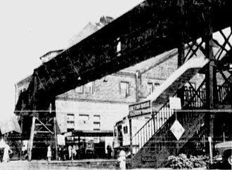 New London Union Station - The 1912-built pedestrian bridge shortly before its 1961 demolition