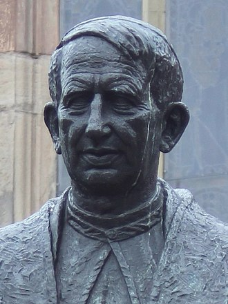 Apostolicae curae - Statue of Cardinal Basil Hume in Newcastle