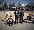 Niños de Casablanca en un parque para patinar.jpg