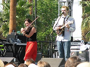 Nickel Creek - Sara Watkins and Chris Thile on the Farewell (For Now) Tour in April 2007.