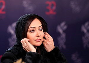Niki Karimi - Image: Niki Karimi in Press Conference of Zendegi Jay e Digari Ast