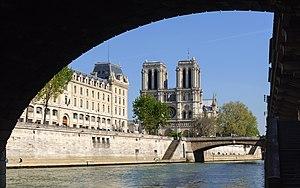 Petit Pont -  Notre-Dame de Paris and the Petit-Pont as seen from under the Pont Saint-Michel