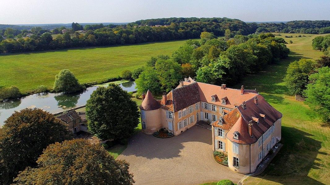 Château d'Ollans au bord de l'Ognon