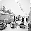 Omlastning av gods i Hoting 1960s 2.jpg
