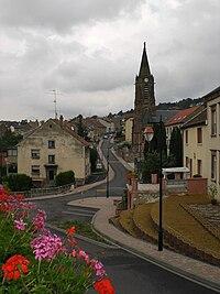 Ortsmitte von Oeting, Frankreich.jpg