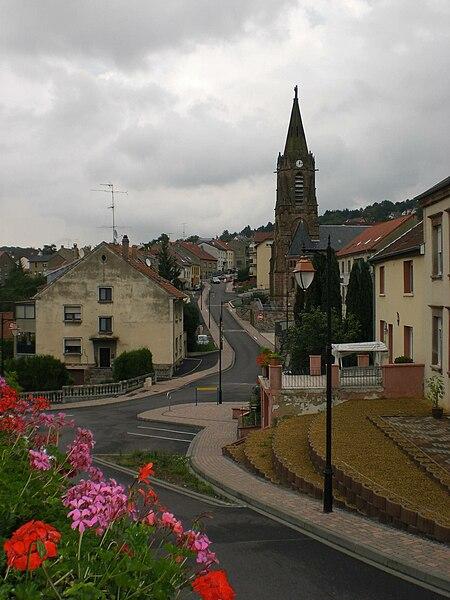 Ortsmitte von Oeting, Frankreich