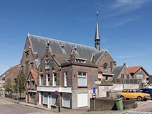 Oude-Tonge - Image: Oude Tonge, de RK kerk OLV Hemelvaart RM521890 foto 2 2015 05 24 15.47