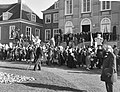 Overzicht van de voorbijtrekkende menigte, Bestanddeelnr 912-1846.jpg