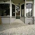 Overzicht van ingangspartij met trap in de achtergevel - Tilburg - 20388612 - RCE.jpg